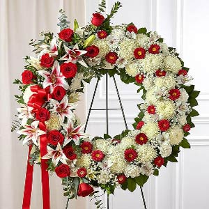 Denville Florist | Red Rose Wreath